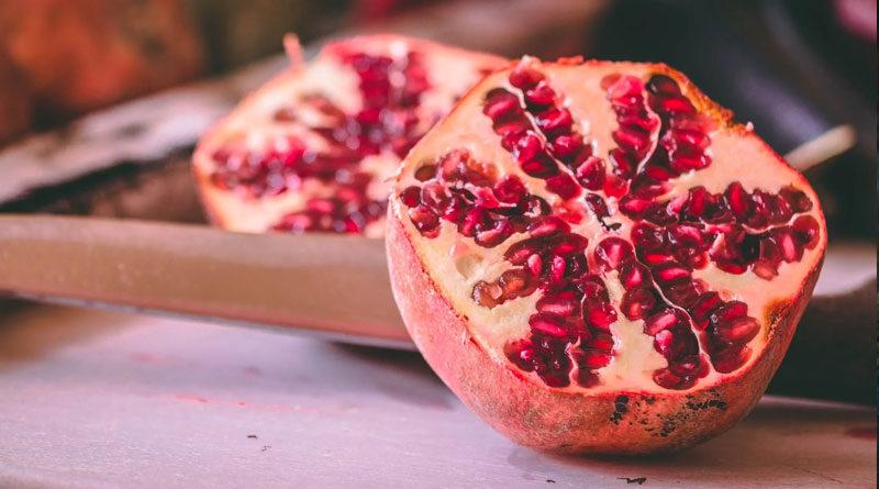 5 Simple Steps to Peeling Pomegranate 1