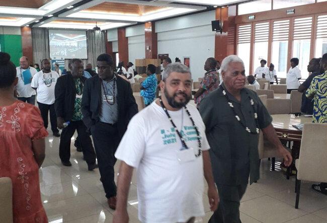 Vanuatu Business Review » Embrace e-commerce: Faivre 13